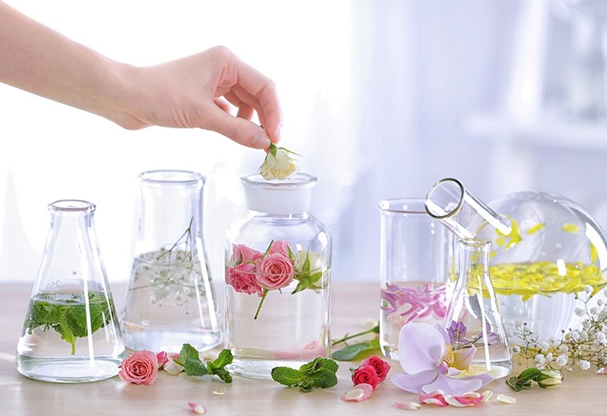 Blog - How a perfume is born? Discovering custom perfume and
